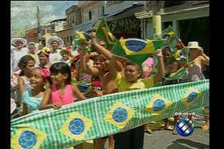 Em Belém, torcedores disputam posto de torcida mais animada na Copa - Moradores dos bairros do Jurunas e Pedreira esbanjam empolgação para torcer pela Seleção Brasileira.