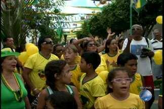 Torcedores de Juazeiro enfeitam as casas e ruas em homenagem ao Brasil - Tudo ao som do bom forró do São João.