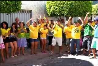 Moradores de Juazeiro do Norte mostram muita animação na torcida pelo Brasil na Copa - Seleção Brasileira enfrenta Camarões na tarde desta segunda-feira no seu centésimo jogo em Copa do Mundo.