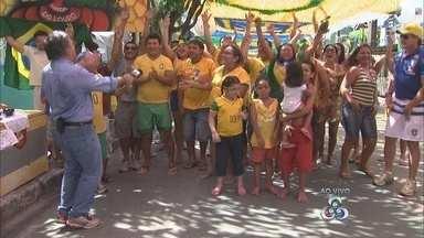 Rua decorada de Manaus prepara torcida para jogo do Brasil contra Camarões - Organização do evento afirmou estar preparada para receber turistas e moradores de Manaus.