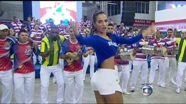 União da Ilha faz festa pela seleção brasileira - A bateria da escola União da Ilha já está aquecendo os tambores para a festa pelo jogo da seleção brasileira contra o Chile, pelas oitavas de final da Copa do Mundo.