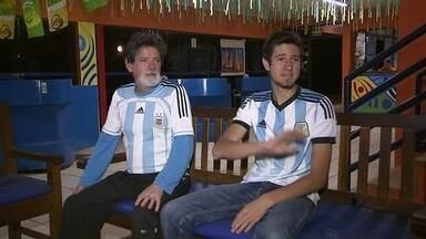 Camping é preparado para receber argentinos - Argentinos jogarão no Estádio Mané Garrincha e se preparam para invadir Brasília. Estrangeiros de todas as partes do mundo se acomodam da maneira que podem na capital federal.