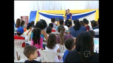Atividades da Escola de Arte iniciam em Santarém - Centro vai funcionar a princípio com quatro cursos e tem 125 pessoas matriculadas entre crianças e adultos.