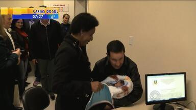 Cartórios passam a funcionar dentro de hospitais em Rio Grande, RS - Serviço deve facilitar o registro de bebês.