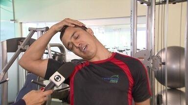 Saber maneira correta de torcer pode ajudar na saúde - O estresse dos jogos da Copa do Mundo está mexendo com a saúde dos torcedores. Muitos terminam as partidas com dores espalhadas pelo corpo.