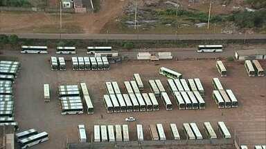 Rodoviários do DF estão em greve - Na madrugada deste domingo (6), os funcionários da Piracicabana e da Urbi voltaram ao trabalho, mas outras três empresas continuam paradas.