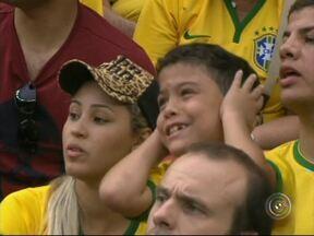Seleção brasileira fica em quarto lugar e decepciona torcedores - Na penúltima partida da Copa do Mundo da FIFA, a seleção brasileira perdeu de 3 a 1 para seleção da Holanda, que ficou com o terceiro lugar. A partida e o resultado decepcionaram torcedores por todo o país.