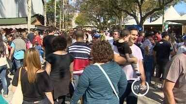 Milhares de pessoas acompanham encerramento do Revelando São Paulo - Evento aconteceu em São José dos Campos e reuniu a cultura das cidades do interior de São Paulo.