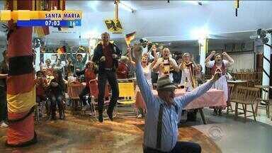 Gaúchos com descendência germânica comemoram conquista do mundial pela Alemanha - Cidade de Estrela, RS, teve domingo dedicado à Copa do Mundo.