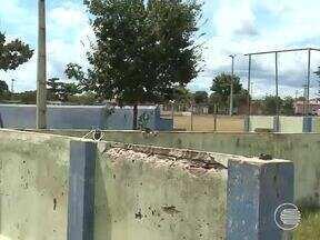 Vistoria do Calendário foi conferir melhorias no complexo esportivo do bairro Mocambinho - Vistoria do Calendário foi conferir melhorias no complexo esportivo do bairro Mocambinho
