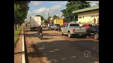 PRF combate estacionamento irregular na Avenida Cuiabá - Motoristas devem ficar atentos ao trafegarem pela BR-163.