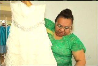 Empresária cearense se destaca na produção de roupas utilizando o artesanato local - Confira as histórias do quadro Nosso Ceará.