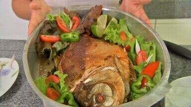 Reportagem mostra receita básica e simples de peixe - Veja uma reportagem que mostra uma receita básica e simples de peixe.