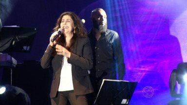 Joanna se apresenta em show pelo aniversário de Volta Redonda, RJ - Apresentação na Praça Brasil também fez parte do Festival Vale do Café e emocionou o público.
