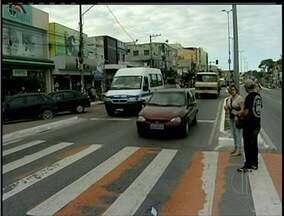 Número de multas de trânsito caiu em Rio das Ostras, RJ, mas irregularidades continuam - Falta de cinto e ultrapassagem perigosas são algumas das irregularidades observadas.