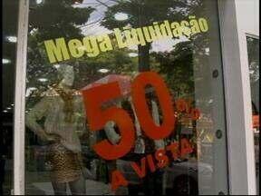 Liquidações prometem aquecer as vendas no comércio - Época é uma das mais esperadas pelos consumidores.