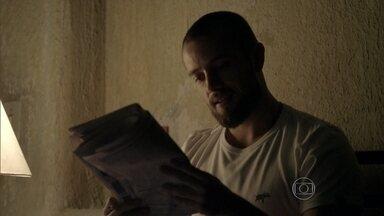 Vicente procura emprego no jornal - Naná conversa com Xana Summer sobre o rapaz