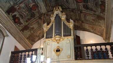 Órgão é recuperado e entregue à população de Diamantina - Trabalho de restauração envolveu jovens músicos da cidade e foi coordenado por mineiro que mora em Portugal há 15 anos.
