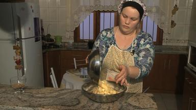 Receita do Campo: veja como fazer Torta de Maçã com Aveia e Açúcar Mascavo - Assista ao vídeo.