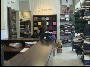 Comerciantes estão otimistas para as vendas no Dia dos Pais - Filhos devem ir às compras, aumentando expectativa dos vendedores.