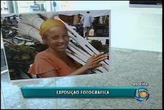 """Exposição """"Imagens de São Raimundo e Senhor do Bonfim"""" está aberta na Univasf - São 47 fotos que foram feitas por estudantes da Universidade."""