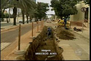 Compesa inicia obra na Orla de Petrolina - Motoristas e motociclistas que passam pela Avenida Cardoso de Sá devem ficar atentos.