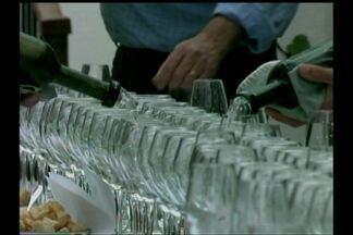 1º Encontro de Enologia busca promover a região e os setores produtivos de vinho - As atividades continuam hoje e se estendem até o final da tarde.