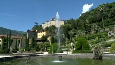 """Fantástico vai a uma das propriedades mais luxuosas do mundo - Domingo, o Fantástico vai levar você a uma das propriedades mais luxuosas do mundo. É a Villa, na Itália, onde morou o escritor Carlo Collodi, o autor de """"Pinóquio"""". Está à venda por R$ 57 milhões."""
