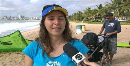 Nayara Licarião retorna ao kitesurfe após nascimento da primeira filha - A hexacampeã brasileira de kitesurfe, Nayara Licarião, voltou a treinar após o nascimento da primeira filha Ayla e vai competir no Circuito Brasileiro, que terá a primeira etapa em Cabedelo