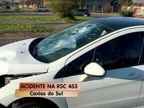 Motociclista fica ferido em acidente em Caxias do Sul, RS - Acidente foi na manhã de hoje na entrada do bairro Desvio Rizzo.