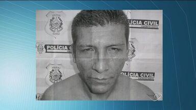 Peruano é preso após furtar celular e ser seguido por vítima, no ES - Antes, uma outra mulher chegou a ter o celular roubado dentro de ônibus. Segundo testemunhas, outros dois estrangeiros também praticam o crime.