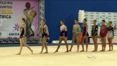 ES sedia competição internacional de ginástica rítmica - Na competição nacional também realizada no estado, ginastas capixabas deram show e conquistaram medalhas de ouro.