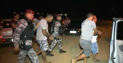 Operação policial prende 17 pessoas no Sertão da Paraíba - A ação aconteceu em cinco cidades do Estado e localizou um grupo de criminosos envolvidos com o tráfico de drogas e assaltos a bancos.
