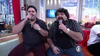 César Menotti e Fabiano animam o Encontro - Dupla começou o programa ao som de 'Não era eu'