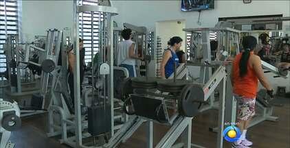 Fazer exercício nas primeiras horas da manhã vira hábito em Campina Grande - Campinenses acreditam que se exercitar pela manhã dá mais disposição para encarar a rotina diária