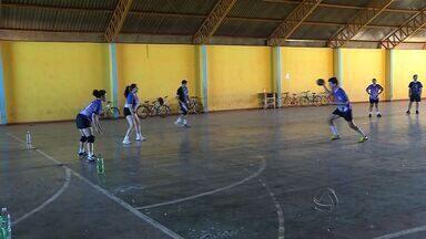 Grupo de amigos faz o impossível para praticar handebol em Dourados - Em Dourados, um grupo de amigos faz o impossível para praticar handebol.