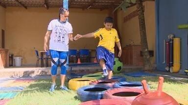 Instituição do AM que atende crianças com autismo precisa de profissionais - Instituto promove atividades para ajudar pais com filhos autistas, em Manaus.