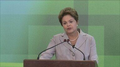 Dilma Roussef faz pronunciamento sobre morte de Eduardo Campos - A presidência da República decretou luto oficial no país. Dilma Rousseff, candidata à reeleição pelo PT, fez um pronunciamento no Palácio do Planalto e cancelou a agenda de campanha pelos próximos dias.