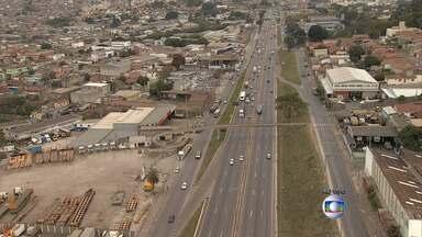 Concessionária da BR-040 faz obras no Anel Rodoviário de BH - Trecho fica entre os bairros Califórnia e Olhos D'Água.