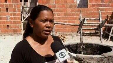 Moradores de Bela Cruz, no Ceará, enfrentam falta de água - Chuvas do ano não foram suficientes para abastecer a região.