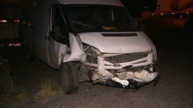 Acidente deixa uma pessoa morta no Agreste Paraíba - Uma pessoa morreu e duas ficaram feridas num acidente ontem à noite, próximo a cidade de Pocinhos.
