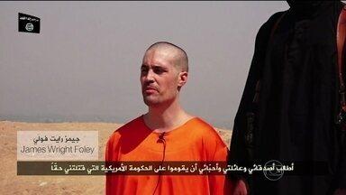 Imagens da execução de jornalista americano chocam o mundo - James Foley foi sequestrado na Síria em 2011. Um ano antes, passou um mês e meio nas mãos das forças do ditador Kadafi na Líbia.