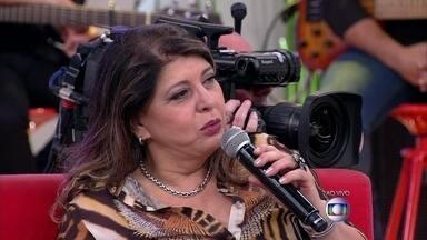 Com 25 anos de carreira, Roberta Miranda faz show no RJ - Marcos Veras conta que pai adora a cantora e é elogiado