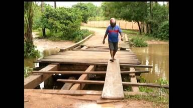 Moradores dos bairros Santarenzinho e Matinha cobram reparos em pontes - Segundo eles, há cinco anos não há reparos na estrutura.