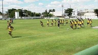 Ceará está pronto para jogo com a Portuguesa - Vovô quer vitória para voltar à liderança.