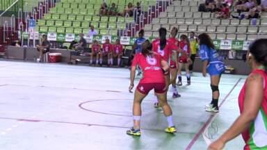 Etapa final do Campeonato Paranaense de Handebol é realizada em Maringá - Os jogos estão sendo realizados nos ginásios Valdir Pinheiro e Chico Neto
