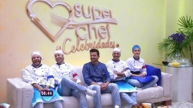 Rodrigo Andrade e Thiago Mendonça pedem para ficar no Super Chef antes das eliminação - Dupla enfrenta a segunda Panela de Pressão