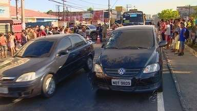 Homem morre atropelado perto de faixa de pedestres em Manaus - Acidente ocorreu na Avenida Grande Circular, na Zona Leste da cidade.
