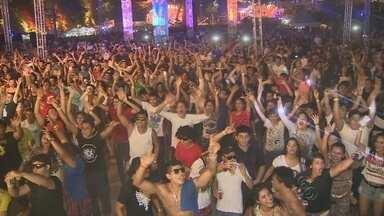 No AM, Playground Music Festival celebra 10 anos de música eletrônica - Evento no Studio 5 contou com a participação de 11 DJs renomados. Festa reúne música eletrônica e brinquedos de parque de diversão.