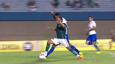 Márcio Rezende de Freitas analisa lance polêmico na partida entre Goiás e Cruzeiro - Ex-árbitro comenta o penalti cometido por Dedé no final da partida